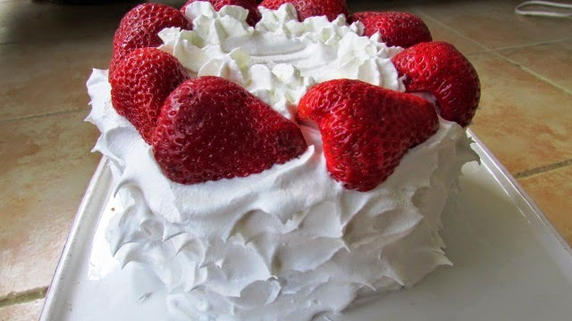 Fluffy Strawberry Lemon Cake