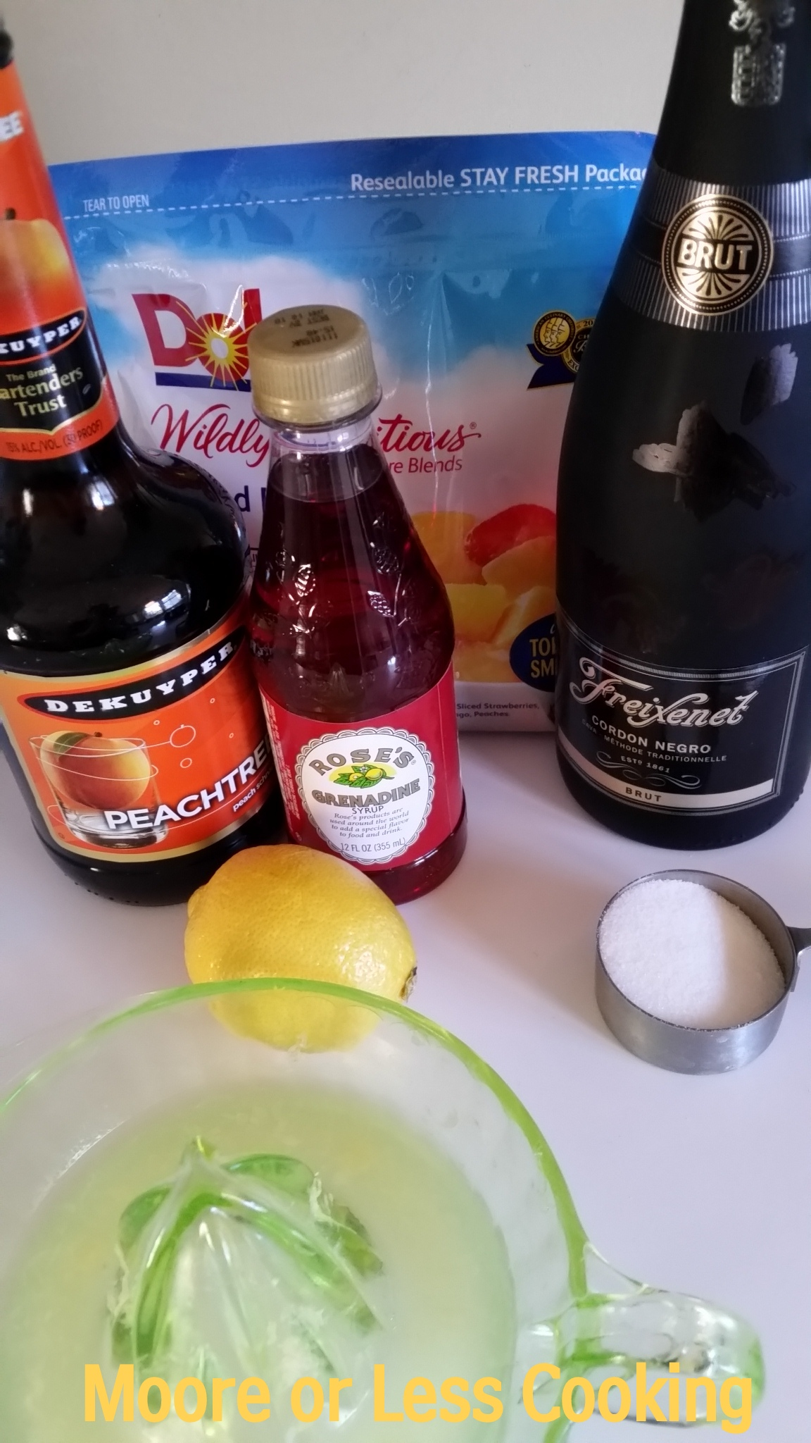 Dole® Peach Bellini Ingredients