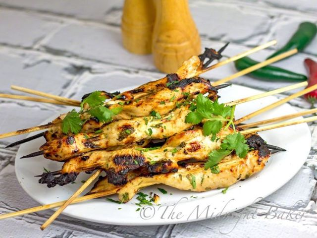 Garlic Sriracha Chicken Satay