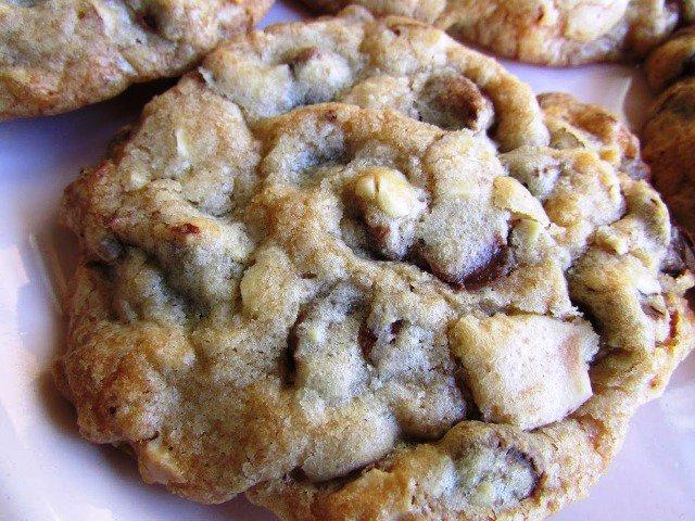 Chocolate Cloud Cookies