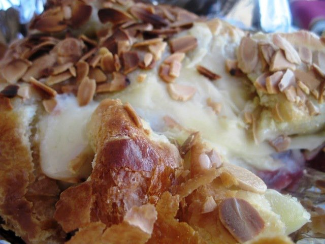Cranberry & Toasted Almond en Croute