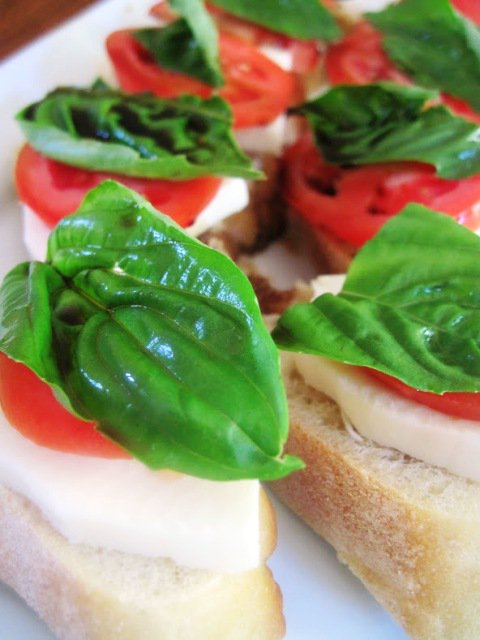 Easy Caprese Bread