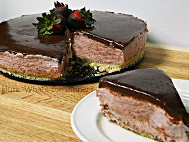 No-Bake Chocolate Covered Strawberry Cheesecake
