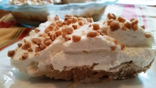 Vanilla Coffee Ice Cream Pie #SundaySupper
