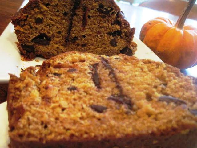 Chocolate Chunk Pumpkin Bread Chocolate chunk meets moist pumpkin bread! Recipe here. Moore or Less Cooking Food Blog