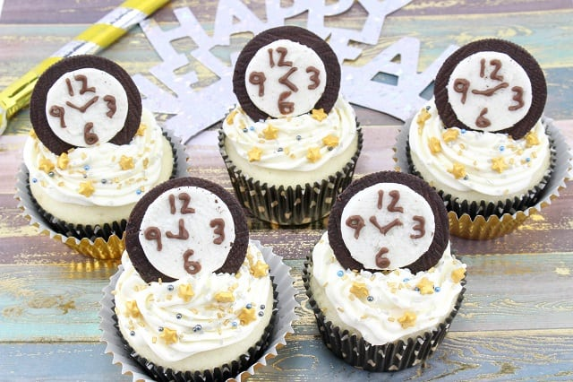New Years Eve Countdown Cupcakes