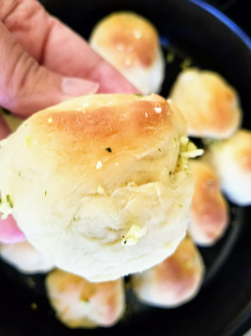 #ad Pass on the just okay, and who can even pronounce the ingredients in store-bought rolls and make these simple and delectable dinner rolls in under an hour! The key to making the perfect dinner roll is Fleischmann's® RapidRise® Yeast. #BakeItYourself #CollectiveBias #HomemadeDinnerRolls​ #HomemadeBaking #BakeFromScratch via @Mooreorlesscook