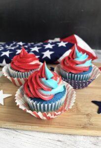 Patriotic-Swirl-Cupcakes