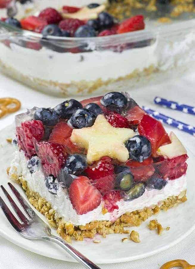Summer-Berry-Pretzel-Salad