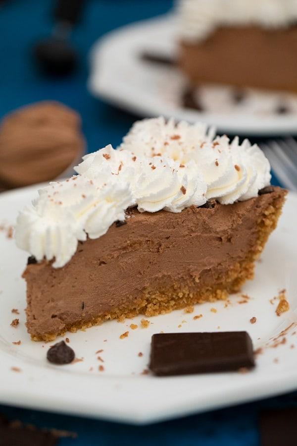 Easy No-Bake Chocolate Pie & Video