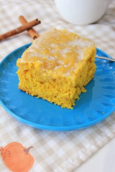 Crockpot Maple Pumpkin Honey Bun Cake